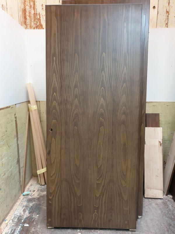 Flush door_Beech Tobacco stain